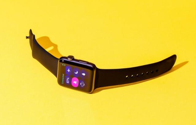 第一代Apple Watch就像测试产品,而第二代…