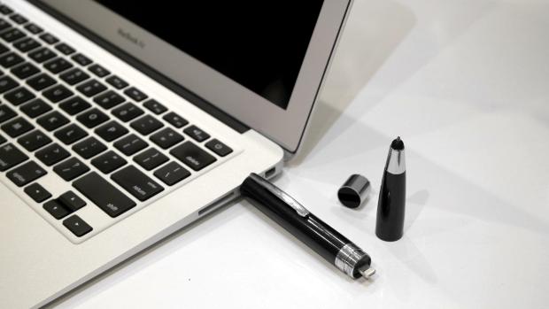你以前用的笔可能是假笔,我这根能给手机充电