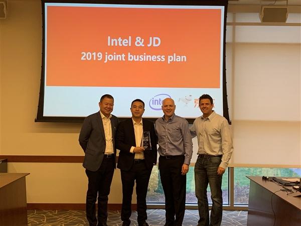 京东在2018年成为Intel全球最大PC零售渠道京东在2018年成为Intel全球最大PC零售渠道